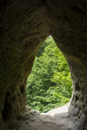 Окно во второй пещере