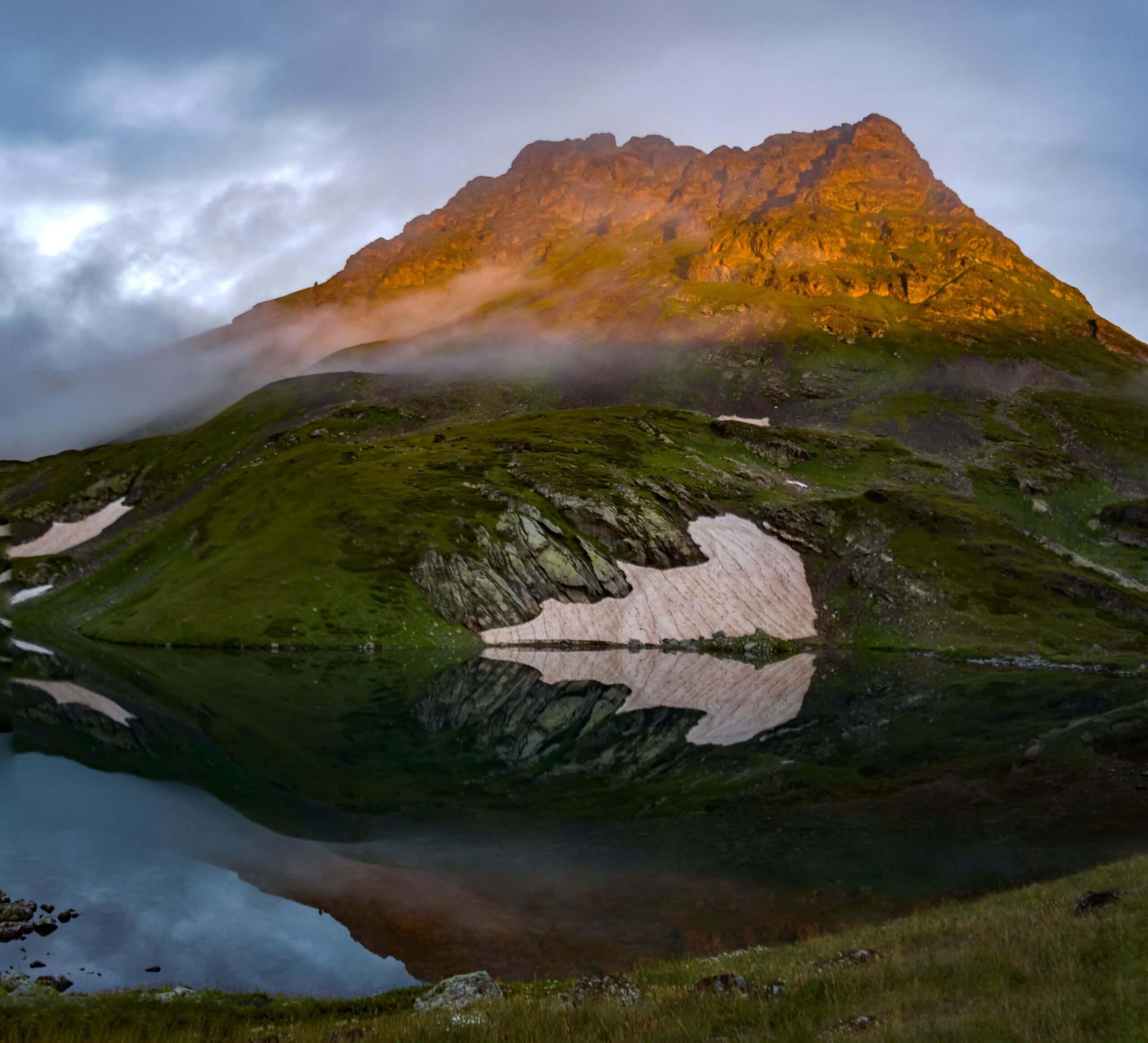 Гора Загедан на рассвете