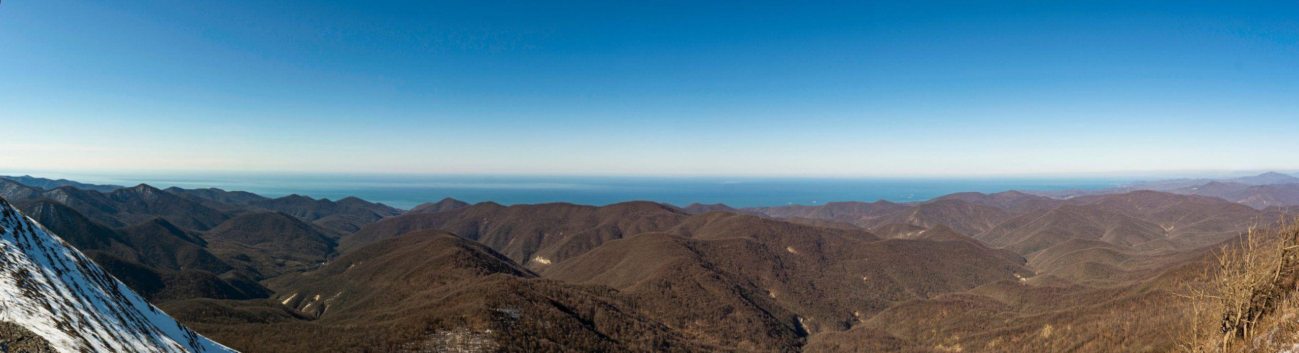 Вид с горы Большое Псеушхо (Пеус) на юг