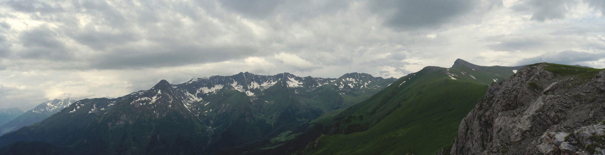 Большой Тхач, Дженту, Магишо, Скала Белая